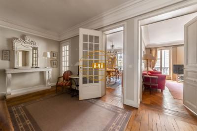 Appartement Paris 5 pièce(s) 157.77 m2