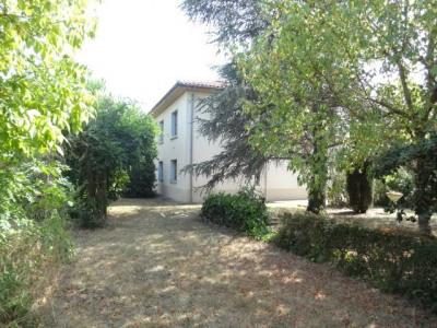 Villa T4 de 100 m² avec garage 100 m² sur terrain de 1600 m² arb