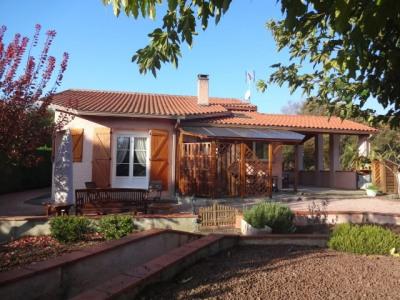 Villa T4/5 de plain-pied 110 m² en excellent état sur terrain de