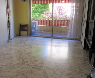 Appartement Saint Laurent Du Var 1 pièce (s) 31 m²