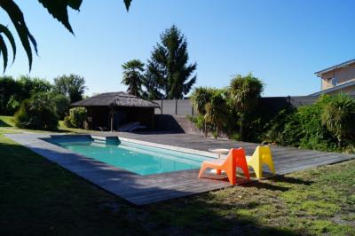 Maison type architecte à Eysine 200 m²