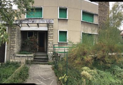 Maison contemporaine à rénover
