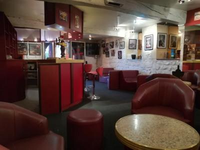 Bar pub licence IV - saintes centre ville
