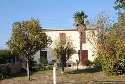 Grande maison (T9) avec remise sur 875m² du terrain
