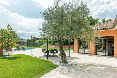 Vourles - South of Lyon - 2,777 sq ft designer house - 0.50-acre