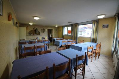 Restaurant de 115 m² ET 62 m² de cours sécurisée