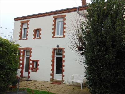 Maison de ville cholet - 6 pièce (s) - 136 m²