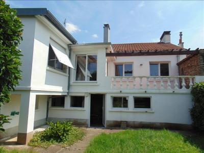 Pavillon sous-sol cholet - 6 pièce (s) - 115 m²