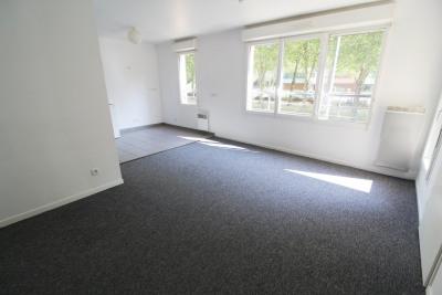 Trappes location deux pièces 48 m² + parking