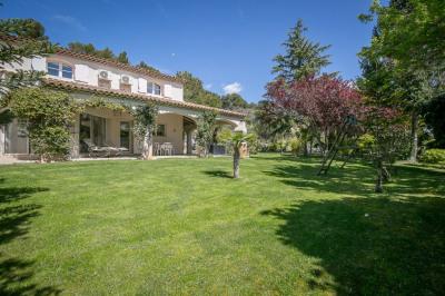 Aix-en-Provence Le Montaiguet - maison d'1 hectare