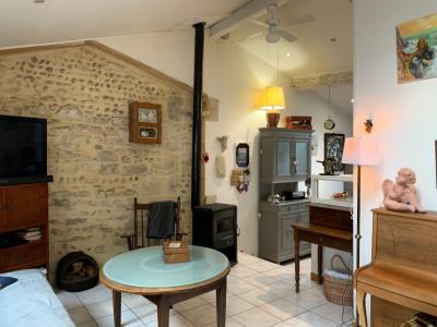 Maison de village avec terrasses, cour et garage 3 pièces