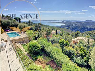 LES ISSAMBRES villa avec magnifique vue sur Golfe de Saint-T