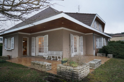 Maison Les Roches De Condrieu 6 pièce (s) 160 m²