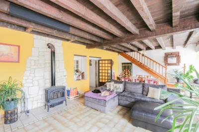 Maison Type 8 d'env. 165 m² à 2 min. Du centre ville YENNE