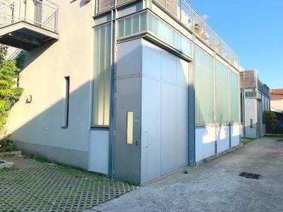 Atelier de 87 m² à Montreuil