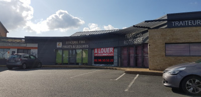 Local commercial 173 m²