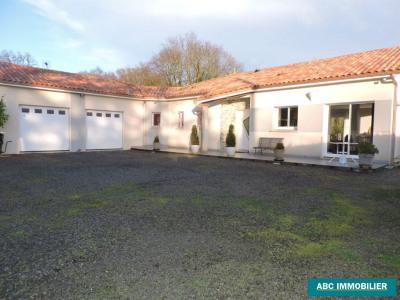 Maison Chaptelat 6 pièce (s) 160 m²