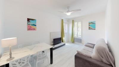 Appartement Saint Cyr Sur Mer 2 pièce (s) - Au coeur du village