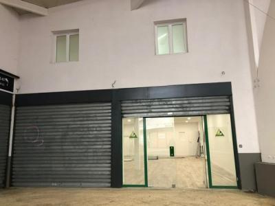 Boutique courdimanche - 180 m²