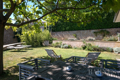 Poleymieux-au-Mont-d'Or - House of 260 m² - Land of 1058m² with