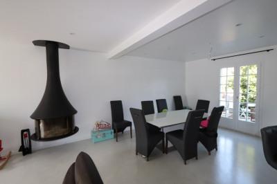 Maison meublée T8 rénovée de 180 m², jardin avec terrasse