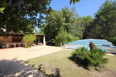Villa de plain pied, 4 chambres, piscine, garages