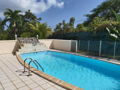 A vendre villa + studio et piscine a convenance