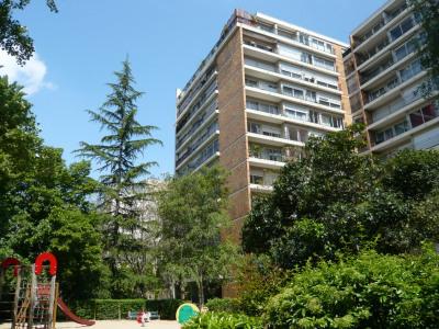 Appartement 4 pièces balcon + parking et cave