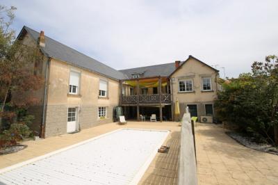 Maison Challans - (9 pièces) 320m²