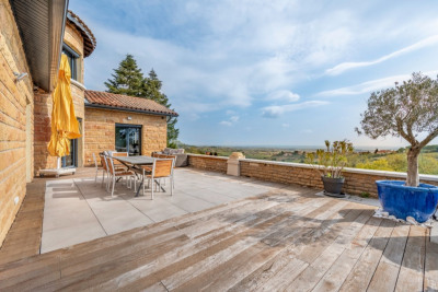 Maison rénovée avec vue panoramique