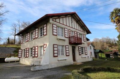 Maison gan - 9 pièce (s) - 220 m²