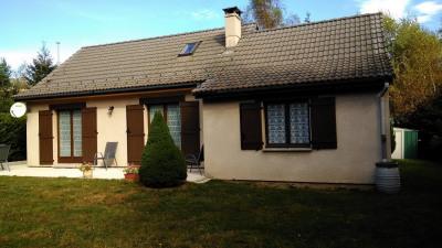 Villa située proche du centre du village