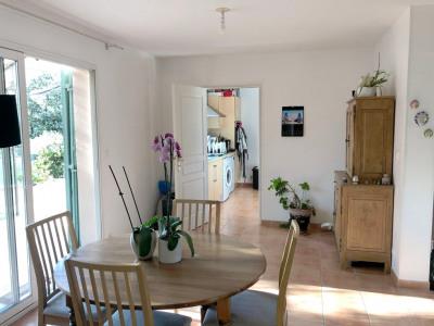 Villa d'environ 107 m² sur terrain de 366 m²