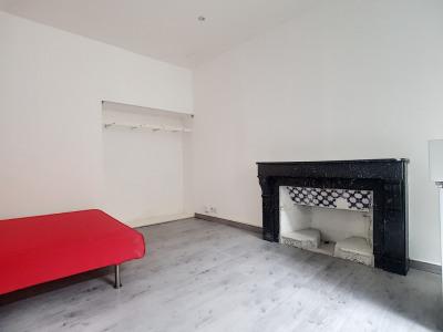 Carpentras T1 bis 35m² rénové au 1er etage