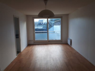 Saint-omer - bel appartement sur la grand place avec balcon
