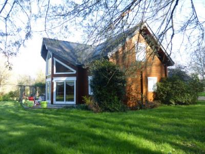 Maison Bois massif, 200m², terrain 4 250m²