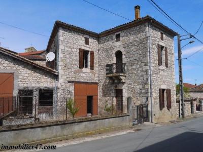 Maison de village laugnac - 5 pièces - 180 m²
