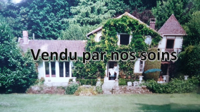 Old house LES MESNULS - 145 m2 4097 m² plot