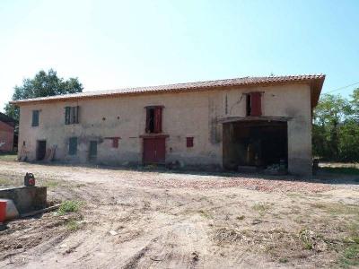 Farm building 4 rooms