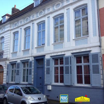 IMMEUBLE DE RAPPORT (appartements meublés)