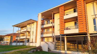 Appartement La Salvetat Saint Gilles 2 pièce (s) 42.77 m²