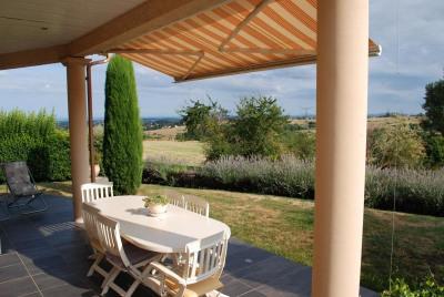 Entre Pollionnay & Grézieu: Belle maison récente avec vue