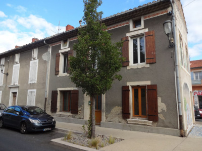 Maison de village se composant de 2 appartements T2