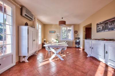 Bouc-Bel-Air - Maison d'environ 140 m² sur terrain de 999 m²