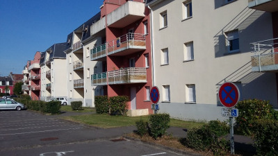 Appartement 4 pièce (s) 70 m² 3 chambres parkings