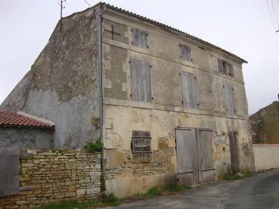 Sale house / villa Saint jean d'angély 54000€ - Picture 1