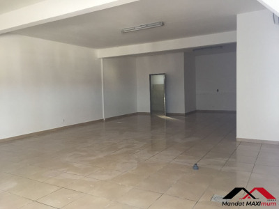 Local commercial La Rivière 75 m²
