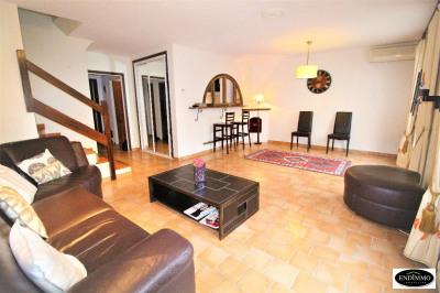 House 4 rooms 88 m² in Villeneuve Loubet