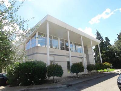 MONTFAVET/AGROPARC - Beaux locaux de 198m² comprenant 7 bureaux