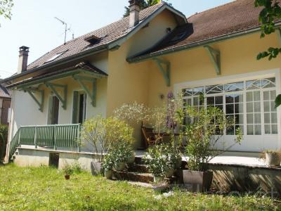 Maison Morestel 8 pièce(s) 230 m2